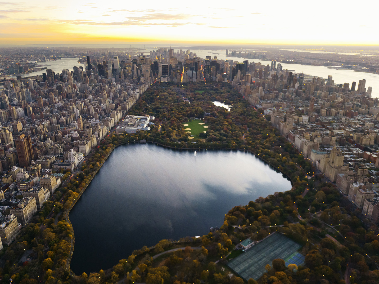 08 Jan 2007, New York, New York, USA --- Aerial view of Central Park and Manhattan --- Image by © Cameron Davidson/Corbis